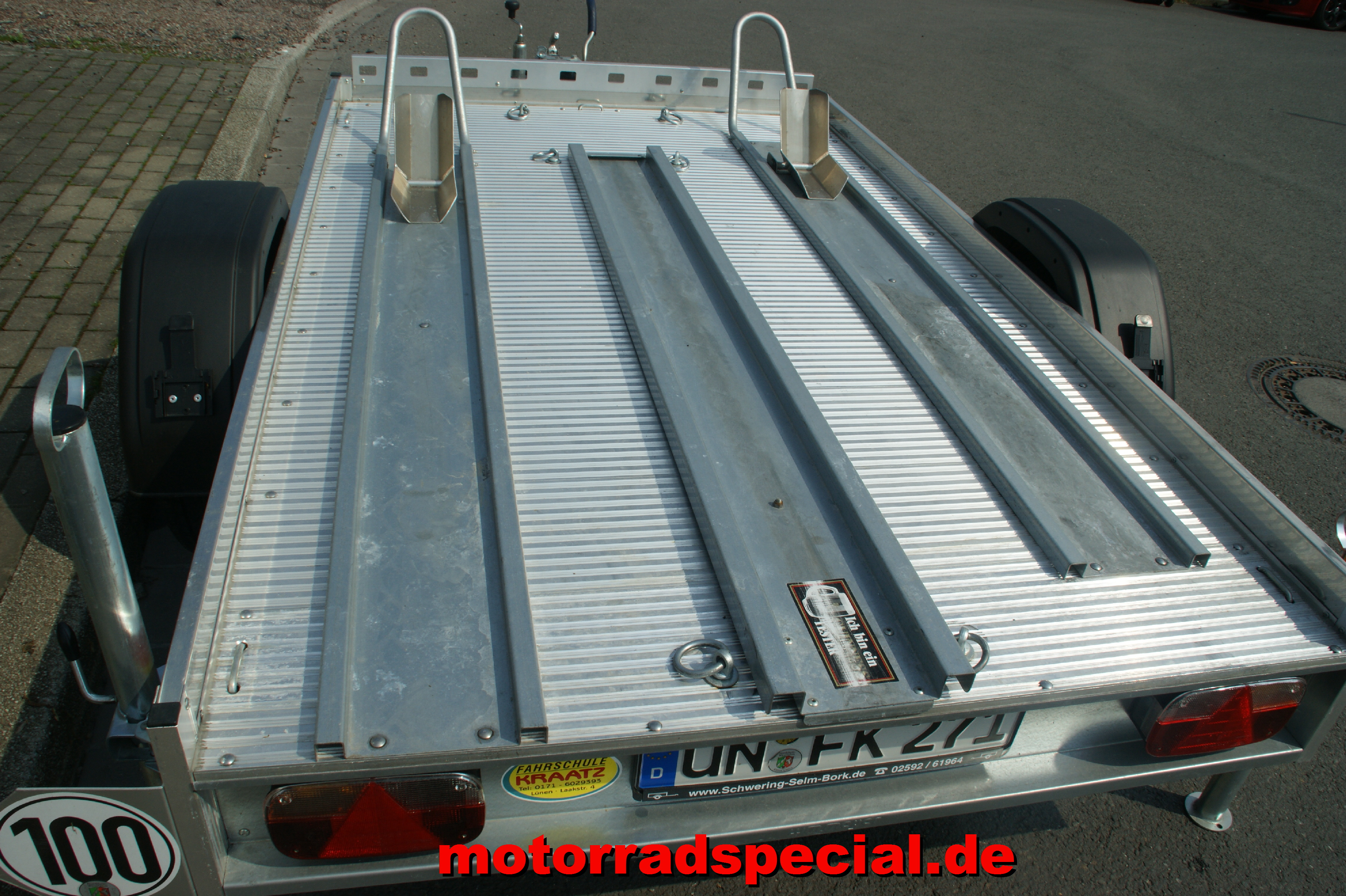 Motorrad Special_Leihänger-mittel_2