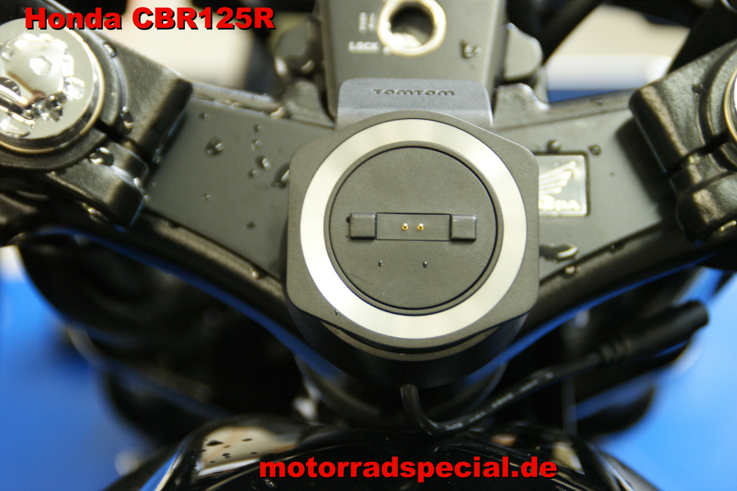 Honda_CBR_125_R_Navigationshalterung_Navigationshalter_Navihalter_TomTom_400_410